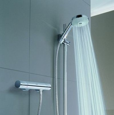 Ahorrar agua en la ducha - Como limpiar la ducha ...