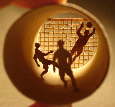 ha creado estas geniales figuras dentro de tubos de papel higiénico