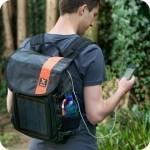 Mochila con panel solar, otra opción para cargar tu dispositivo móvil