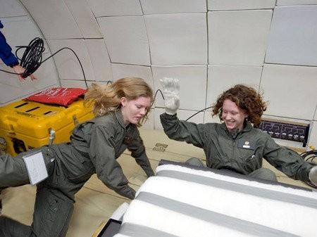 Estupendo trajes espaciales piezoeléctricos