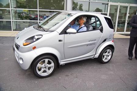 Wheego presenta un nuevo automóvil eléctrico, el LiFe