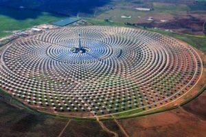 Enorme granja solar genera energía incluso cuando no hay sol