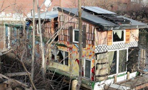 Casa flotante de Brooklyn genera su propia energía