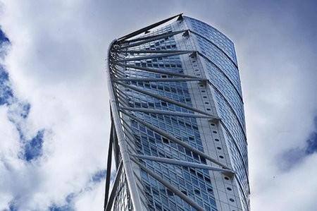Edifico de 54 pisos hecho de aluminio reciclado