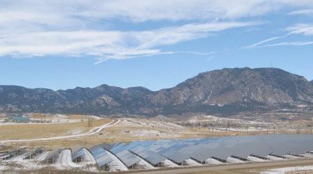Ejército estadounidense anuncia plan de energía renovable de $7.000 millones de dólares