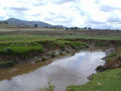 Agua contaminada mata más personas que las guerras
