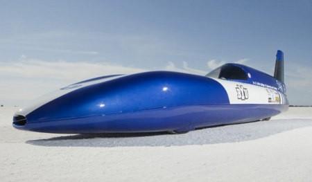 Estudiantes diseñan un auto eléctrico que alcanza los 280 kilómetros por hora