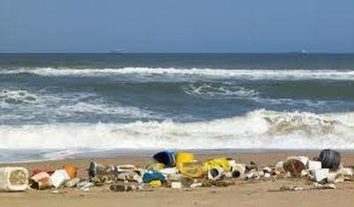 plásticos que contaminan los océanos