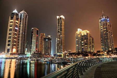 Dubai tiene un proyecto solar de 1GW que planea terminar en 2030