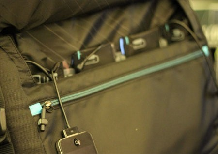 Powerbag, para cargar dispositivos móviles mientras marchamos