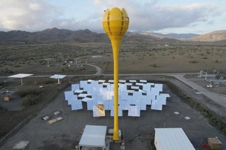 AROA instala su segunda torre solar Tulipán en España