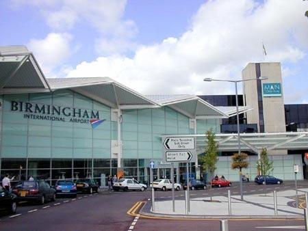 El aeropuerto Birmingham se vuelve ecológico con 200 paneles solares nuevos