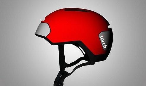 Genial casco con luces LEDs integradas