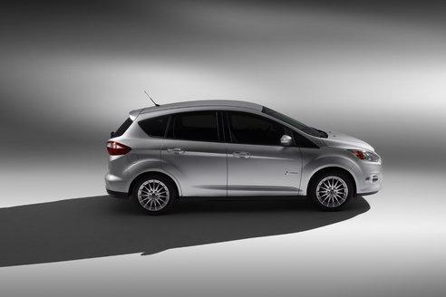 Ford ya toma pedidos para el C-Max 2013