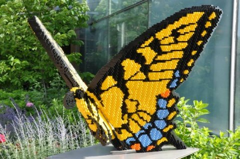 Animales gigantes hechos de bloques Lego2