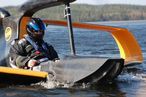 FlyNano, un hidroavión que funciona solo con electricidad2