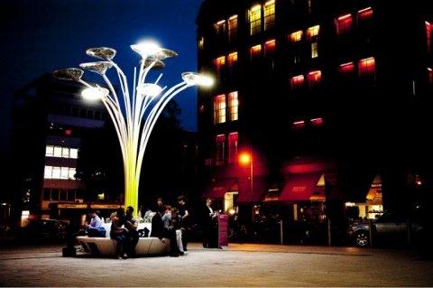 Ross Lovegrove diseña árboles con paneles solares que adornan Londres2