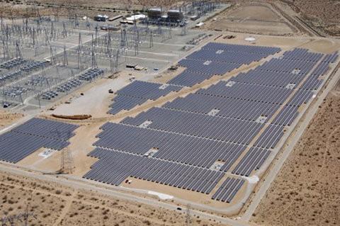 Los Ángeles da la bienvenida a su nueva central solar