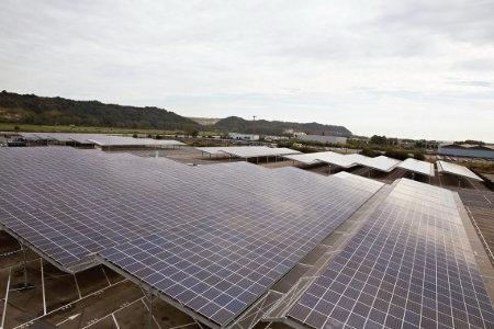Renault estrena el estacionamiento solar más grande del mundo