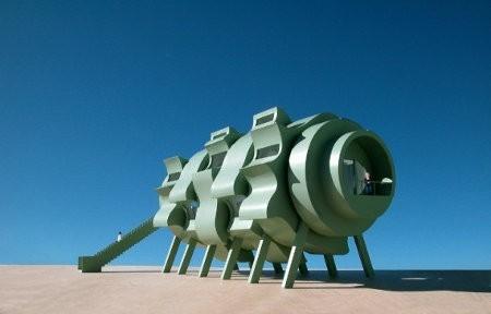 Transformation House, una extraña casa que usa energía solar