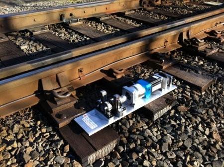 Generador de energía usa las vibraciones de las vías del tren