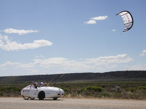 Wind Explorer atraviesa Australia usando energía eólica y solar