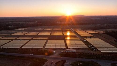 Apple nos muestra la mayor granja solar privada de Estados Unidos