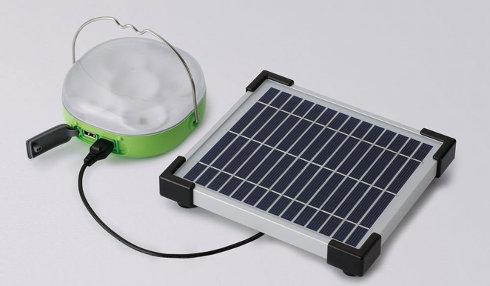 Panasonic introduce su nueva linterna LED con cargador solar