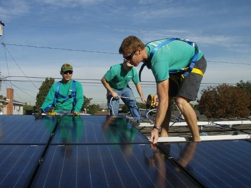 SolarCity espera instalar casi el doble de paneles solares en 2014