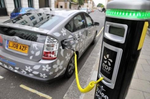 Aumenta la venta de vehículos eléctricos en Reino Unido