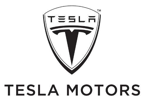 Tesla compra millones de baterías para sus autos eléctricos