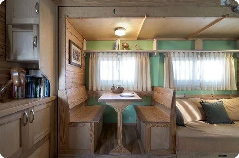 Un camión es transformado en una casa