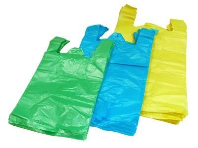 Más prohibiciones para las bolsas de plástico