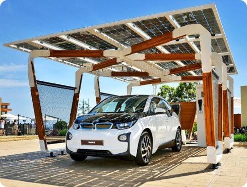 BMW presenta un nuevo estacionamiento solar