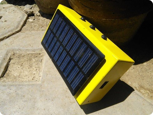 Este parlante Bluetooth usa energía solar