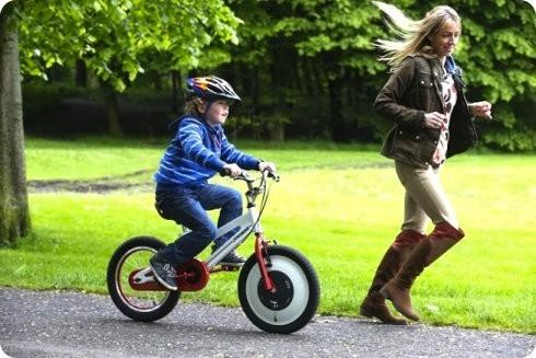 Conoce a la Jyrobike: una bicicleta de entrenamiento con balance automático