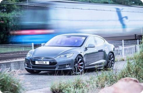 Tesla lanzará el Model III en 2017