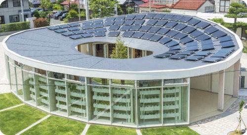 Shigeru Ban presenta un centro comunitario solar para niños
