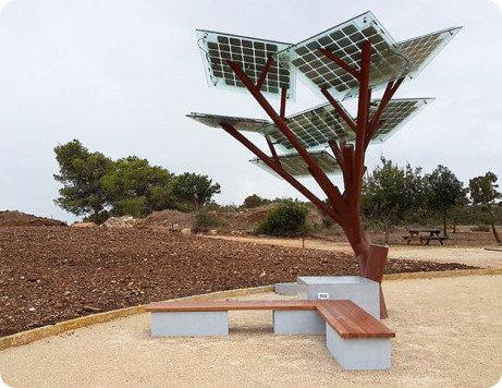 eTree una novedosa estación solar para recargar dispositivos