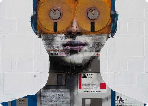 Viejos disquetes y cintas de película son reciclados en retratos