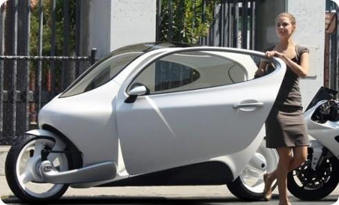 Lit C-1: un estupendo híbrido eléctrico entre auto y moto