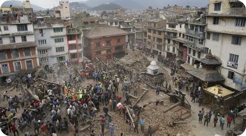 devastador-terremoto-de-nepal-deja-mas-de-dos-mil-personas-fallecidas