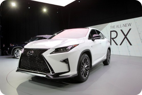 lexus-muestra-su-modelo-RX-hibrido-en-el-Auto-Show-Internacional-de-Nueva-York