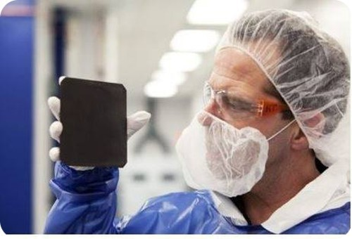 celula-solar-de-silicio-negro-es-capaz-de-aumentar-la-eficiencia-de-la-energia-solar