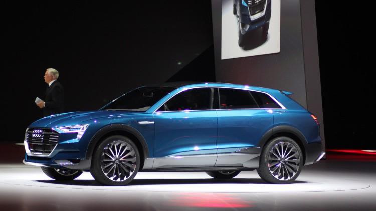 Audi e-tron Quattro vista de perfil
