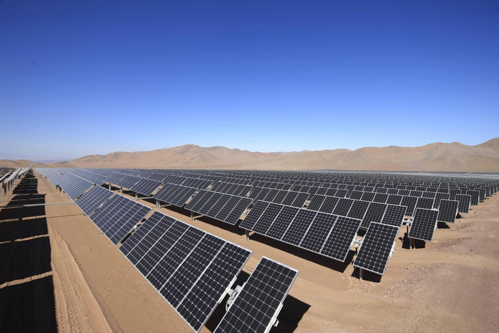 Planta fotovoltaica en el Desierto de Atacama, Chile