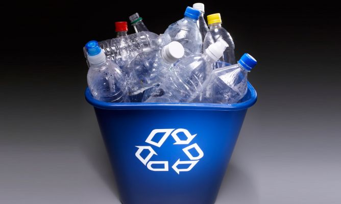 Simbologia de reciclar plásticos