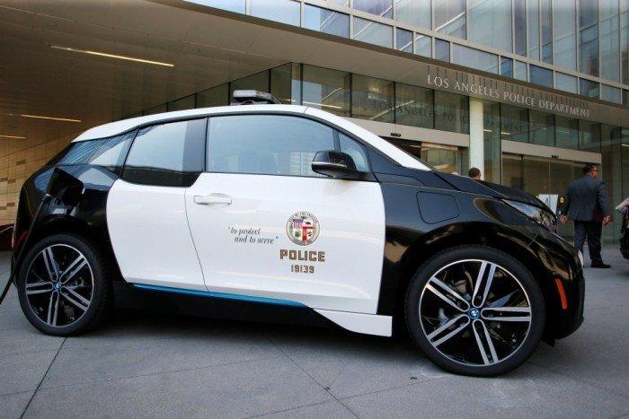Coche BMW i3 en fuerzas de emergencias