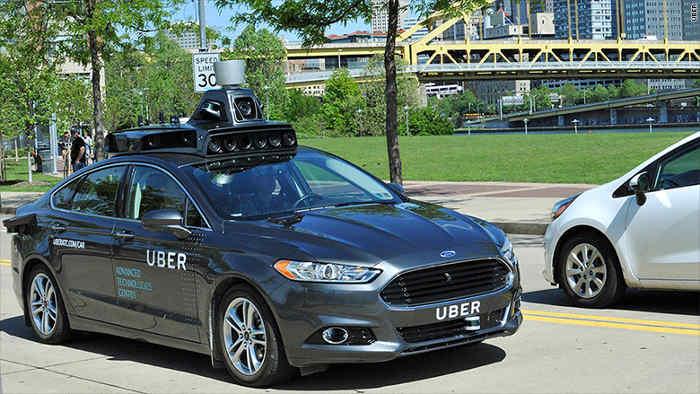 Se realizan pruebas en el primer coche autónomo de UBER