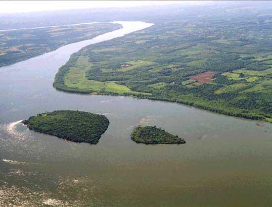 Contaminación en el río Paraná